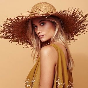Accessories - Oversized Straw HAT Russo Natural Straw